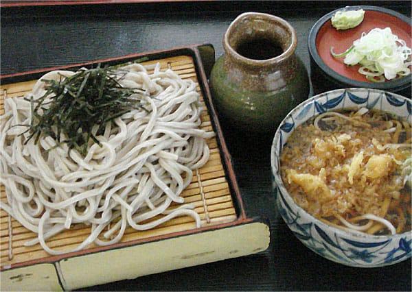 ざるAセット(ざる+温かいミニたぬき蕎麦)写真