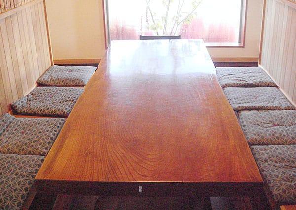 長テーブル席写真